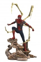 Marvel Gallery  Series Avengers 3 - Iron Spider-Man PVC Figure